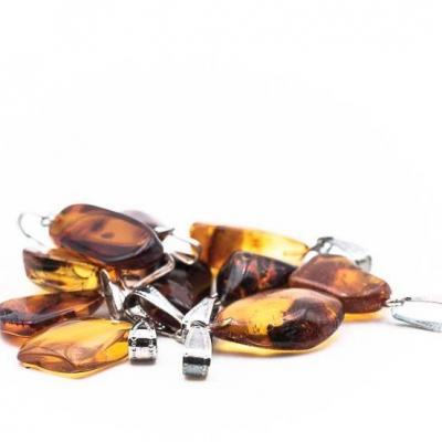 Pendentif pierre roulee ambre baltique qaa 2